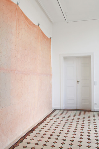 "FLOOR (VS), 2015, rubber, fabric, pigment, 360x460 cm, Installation view: ""FAR BEYOND"", Villa Schöningen, Potsdam, 2015"